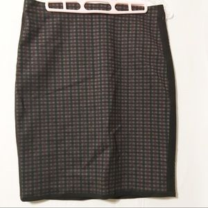 Max Studio black gray red checked skirt NWT small